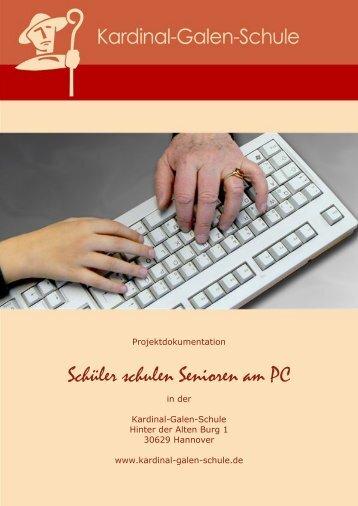 Schüler schulen Senioren am PC - n-21