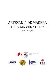ARTESANÍA DE MADERA Y FIBRAS VEGETALES