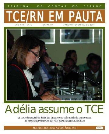 A conselheira Adélia Sales faz discurso na solenidade - TCE / RN