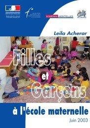 Filles et Garçons à l'école maternelle.