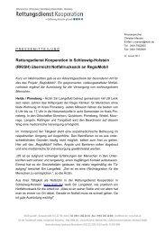 (RKiSH) überreicht Notfallrucksack an RegioMobil