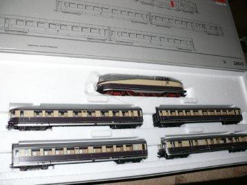 """""""Henschel-Wegmann"""" Train Set."""