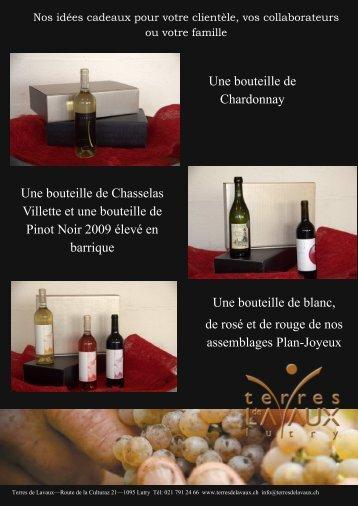 Une bouteille de Chardonnay Une bouteille de Chasselas Villette et ...