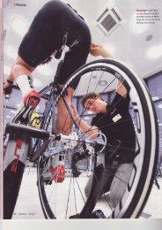 N Winkelzüge: David lleine von Specialized kontrolliert beim Bike ...