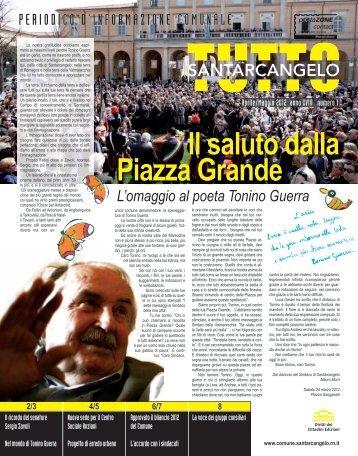 L'omaggio al poeta Tonino Guerra Il saluto dalla Piazza Grande