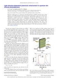 Light direction-dependent plasmonic enhancement in quantum dot ...