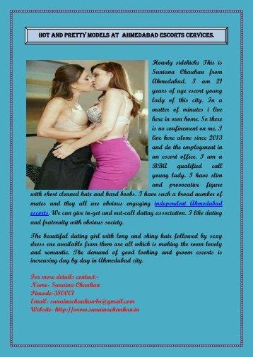 Young girls kissing ass