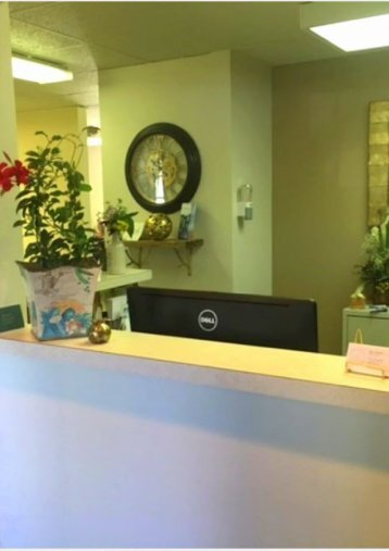 Front desk at Van Hala Dental Group located just 3.4 miles to the southwest of Hudson High School