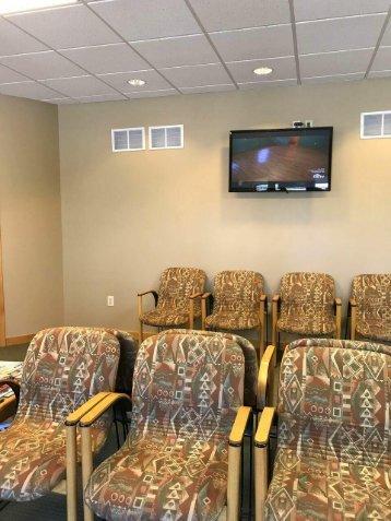 Waiting area at the office of Fort Wayne dentist Steven Ellinwood DDS