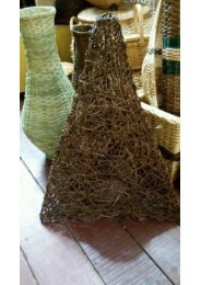 Lampara de Piso Triangular $ 130.000 - 70 x 40 Cmts
