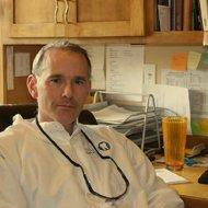 Bainbridge Island dentist Dr. Verharen in his office at Current Dental (1)