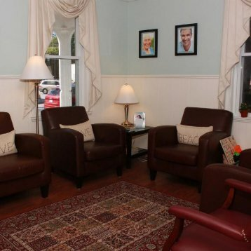 Refreshments and waiting area at Ashland MA family dentistry Metrowest Dental Care