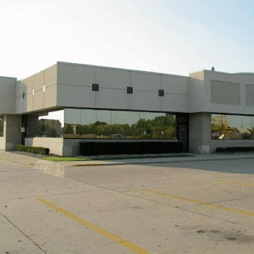 Exterior view of Dr. Aiello's office in Clinton Township MI