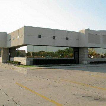 Exterior view of Dr. Aiello's office in Clinton Township MI