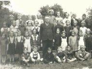 Alte Ansichten - 1. Klasse VS St. Stefan mit Schuldir. Köchl - 1951-1952