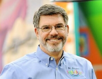 Pediatric dentist Dr. Jeffrey Rhodes at Smile Shoppe Pediatric Dentistry