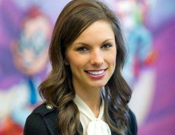 Rogers AR pediatric dentist Dr. Amanda Hankins at Smile Shoppe Pediatric Dentistry