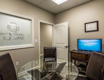 Consultation room at Greenville SC cosmetic dentist Greenville Family Smiles