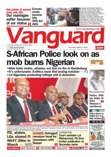 24042018 - S-African Police look on as mob burns Nigerian