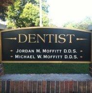 Signboard-at-Moffitt-Dental-Center