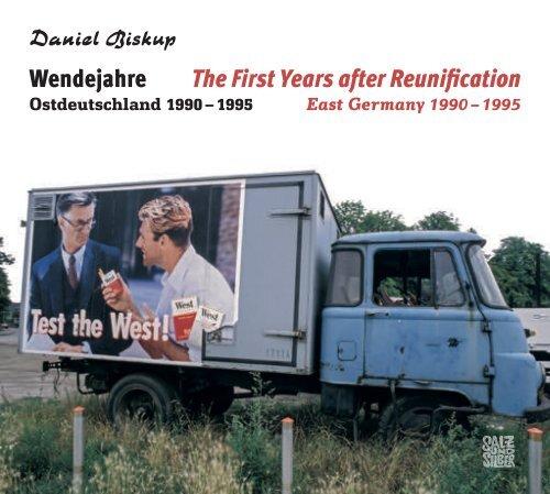 "Blick in Daniel Biskups Bildband ""Wendejahre"""
